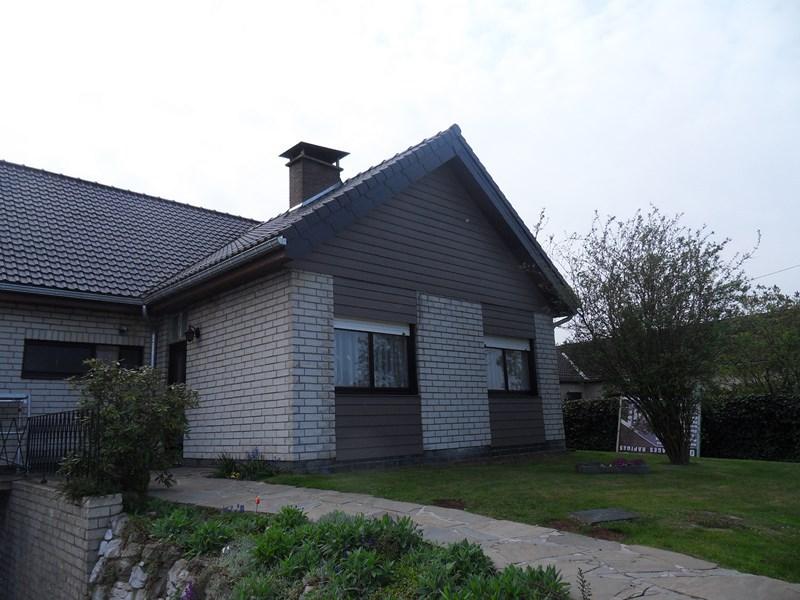 Bardage pignon maison isolation en laine de bois for Maison avec pignon en facade